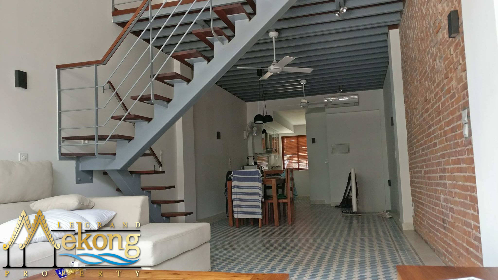 Fully renovated and furnished apartment for rent in Daun Penh | LGM275
