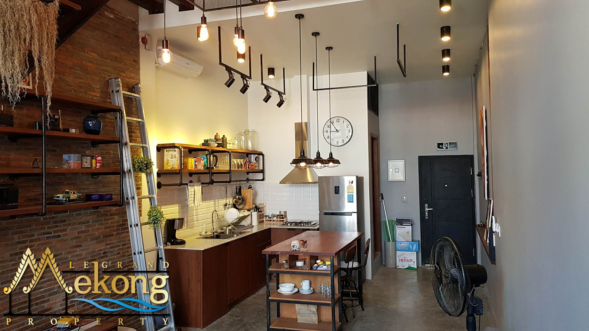 Stunning industrial style apartment fully furnished | LGM312